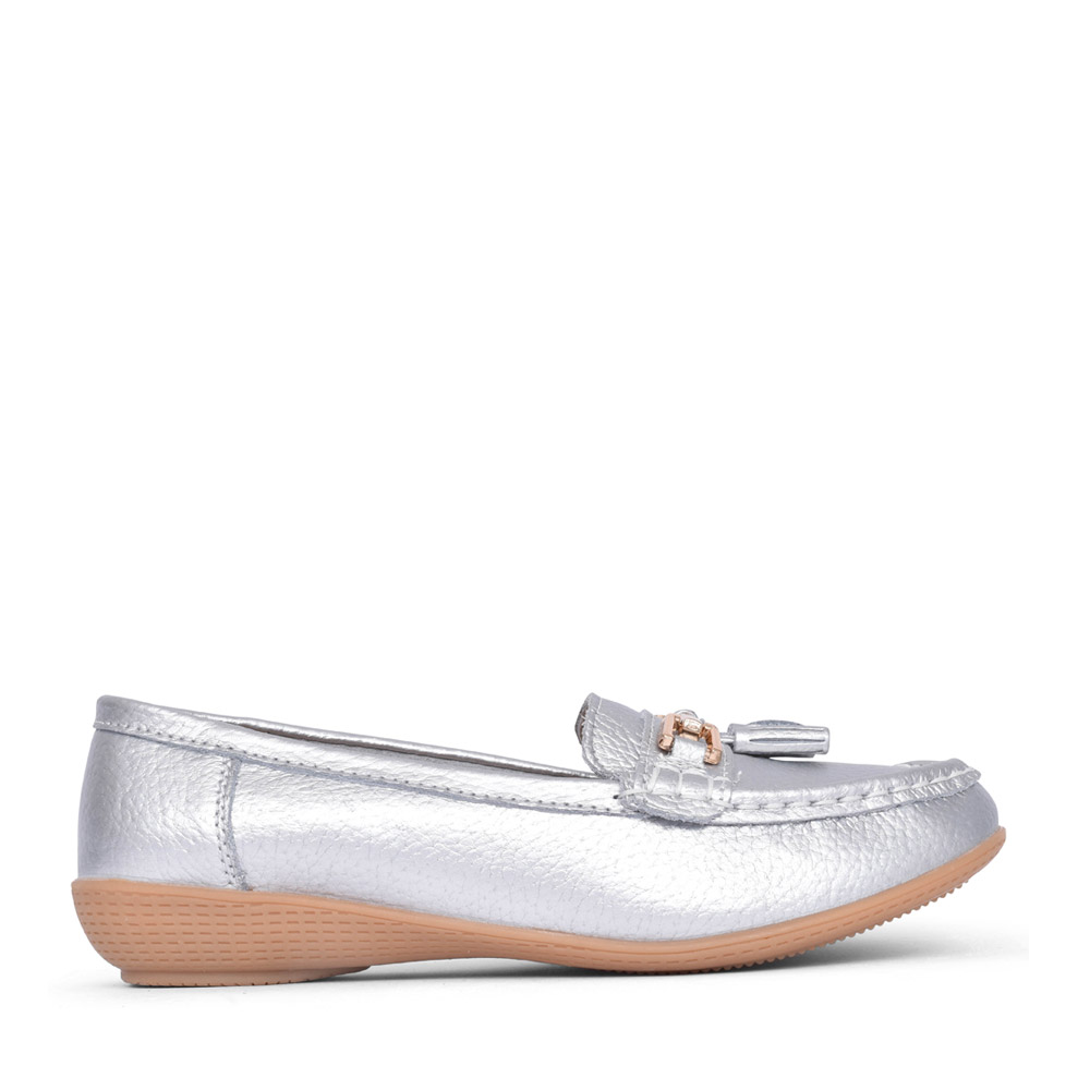 LADIES NAUTICAL LEATHER LOAFER in SILVER